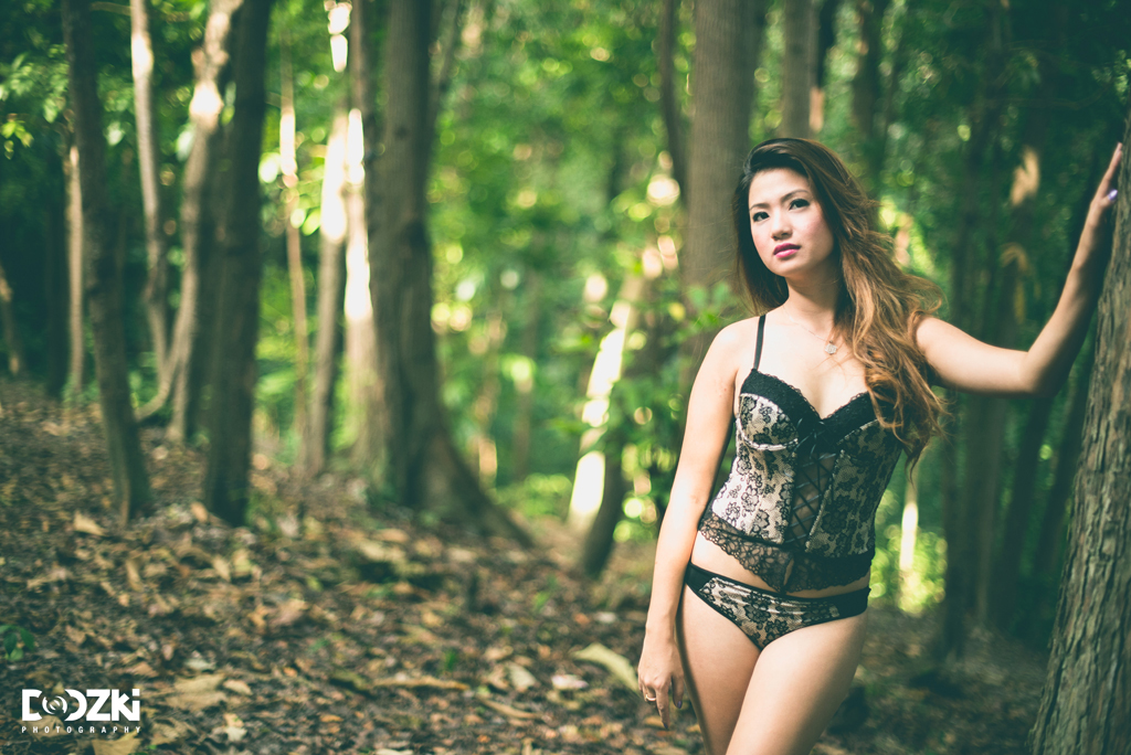 On the tree-side outdoor boudoir session with Marilou